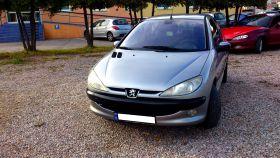 Peugeot 206 Husky Hatchback sprzedam srebrny benzyna + LPG 9500 PLN cena do negocjacji 75 KM z alarmem