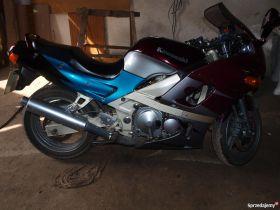 Turystyczny Kawasaki ZZR 600 1998 r sprzedam 100 KM sprowadzony pierwszy właściciel 4500 PLN