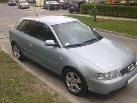 Audi A3 Hatchback sprzedam srebrny 130 KM diesel 14700 PLN cena do negocjacji z małym przebiegiem Radom