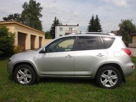 Toyota Rav 4 2.0 l sprzedam srebrny z kompletem dokumentów ABS ASR EDS ESP diesel pierwszy właściciel Poznań