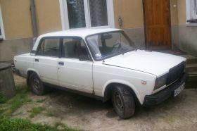 Lada 2107 sprzedam biały benzyna + LPG z małym przebiegiem 1000 PLN cena do negocjacji Stare Opole