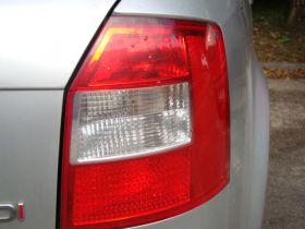 Toyota Yaris luna sprzedam z małym przebiegiem 13000 PLN cena do negocjacji nieuszkodzony benzyna Kielce