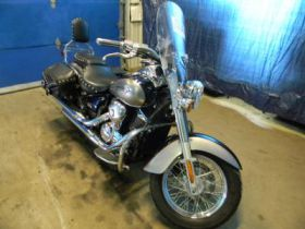 Chopper Kawasaki VN 900 Classic 2006 r sprzedam czarny 2006 r 50 KM bagażnik 15450 PLN Jedwabne