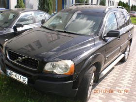 Volvo XC90 SUV sprzedam czarny klimatyzacja z małym przebiegiem 49000 PLN cena do negocjacji