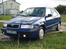 Skoda Felicia 2000 r sprzedam niebieski benzyna 4300 PLN cena do negocjacji Starogard Gdański