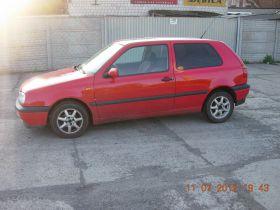 Volkswagen Golf sprzedam czerwony z szyberdachem 2700 PLN alufelgi 3-drzwiowy benzyna w Mosinie