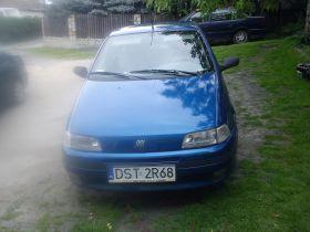 Fiat Punto sprzedam 3700 PLN cena do negocjacji Welurowa z małym przebiegiem benzyna nieuszkodzony Górka Sobocka
