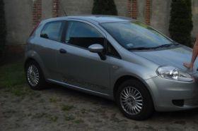 Fiat Punto 2006 r Sedan sprzedam srebrny 16000 PLN ABS nieuszkodzony diesel dodatkowy komplet opon w Kaliszu