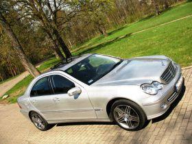 Mercedes C 320 Sedan sprzedam srebrny 5-drzwiowy 30900 PLN ABS z alufelgami 224 KM diesel Sochaczew