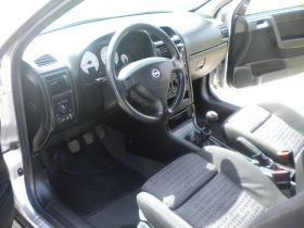 Opel Astra sprzedam srebrny ABS ESP z małym przebiegiem diesel 7500 PLN cena do negocjacji + komplet opon