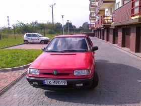 Skoda Felicia 1997 r Hatchback sprzedam czerwony 2200 PLN cena do negocjacji benzyna z małym przebiegiem Kielce