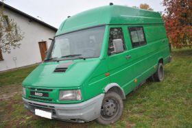 Iveco Daily sprzedam zielony 5-drzwiowy 10500 PLN cena do negocjacji diesel Bus Jeziora Wielkie