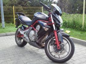 Sportowy Kawasaki ER-6n 2007 r sprzedam czarny alarm sprowadzony 2007 r 72 KM 8900 PLN Pruszków