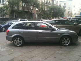 Mazda 323F Hatchback sprzedam 12500 PLN cena do negocjacji diesel z małym przebiegiem w Warszawie