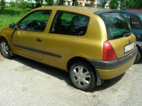 Renault Clio sprzedam złoty benzyna ABS 5300 PLN nieuszkodzony z małym przebiegiem + komplet opon Lublin