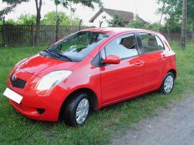 Toyota Yaris II sprzedam czerwony kupiony w polskim salonie 20900 PLN cena do negocjacji na gaz Sosnowiec