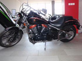 Chopper Kawasaki VN 900 Custom 2009 r czarny 24600 PLN 2009 r kupiony w polskim salonie w Bielsku-Białej
