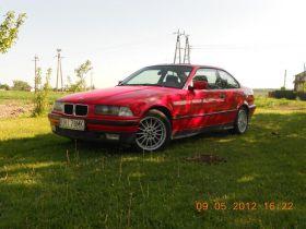BMW E36 1.6 l sprzedam czerwony kupiony w polskim salonie benzyna 3700 PLN z małym przebiegiem Kozłów