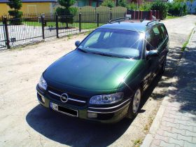 Opel Omega CD 2.5V6 zielony nieuszkodzony klimatyzacja 7900 PLN cena do negocjacji benzyna Wrocław