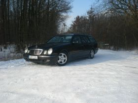 Mercedes E 320 avantgarde sprzedam 197 KM z autoalermem z klimatyzacją diesel 18500 PLN Kraśnik
