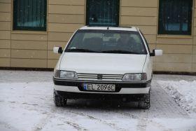 Peugeot 405 1993 r Sedan sprzedam biały komplet dokumentów 3200 PLN z małym przebiegiem Łódź
