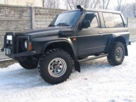 Nissan Patrol 2.9 l sprzedam czarny z przyciemnanymi szybami 24000 PLN cena do negocjacji diesel Wałbrzych