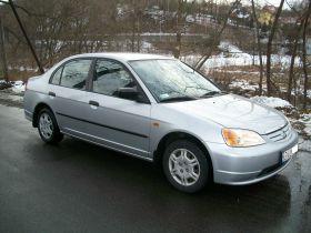 Honda Civic sprzedam z małym przebiegiem kupiony w polskim salonie ABS ESP 15200 PLN cena do negocjacji Kłodzko